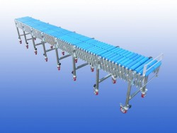 Flexible conveyor on stock