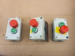 Drukknop start / noodstop 1x maakcontact 1x verbreek contact